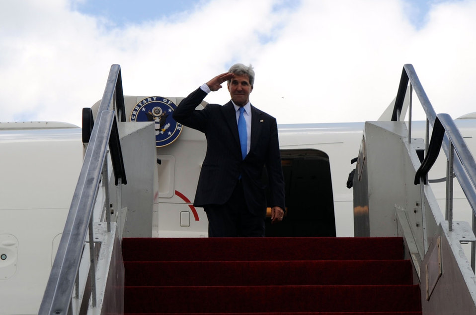 Secretary Kerry Bids Farewell to Indonesia