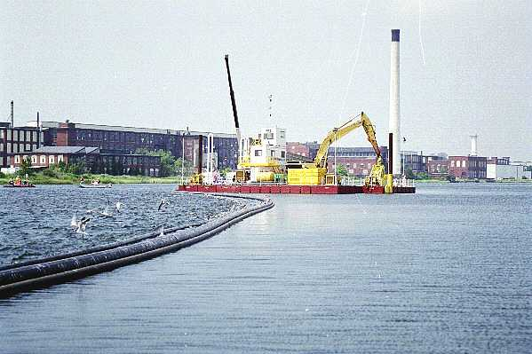 Summer 2000, EPA tests dredging technology