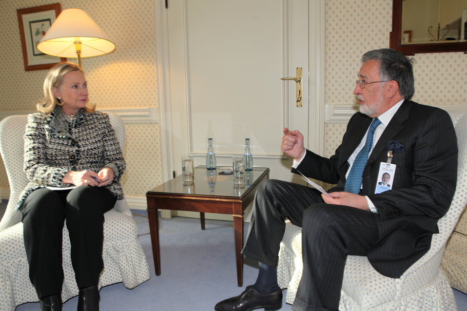 Secretary Clinton Meets With Afghan Foreign Minister Rassoul