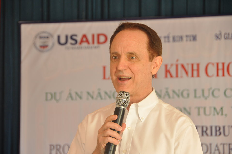 USAID Director Francis Donovan: School children in Dak To, Kon Tum Province, receive eyeglasses under a program supported by USAID and partners HKI and World Leraning