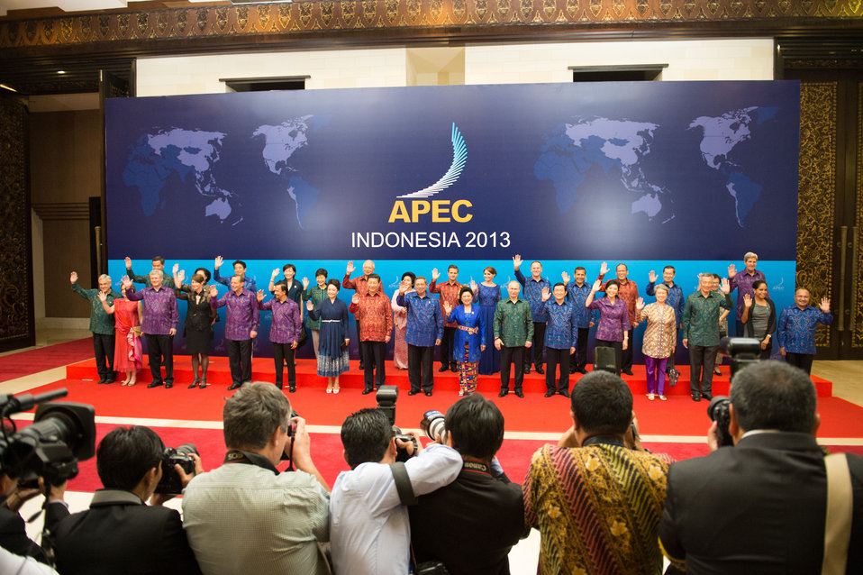 Secretary Kerry Poses With APEC Leaders