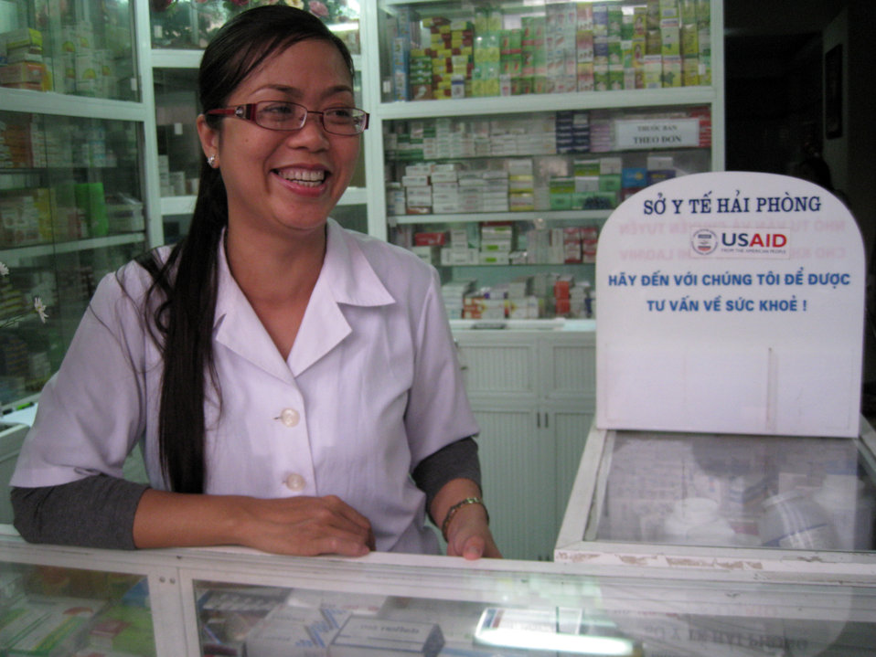 Pharmacist Tran Thi Ha benefits from USAID's Public-Private TB services mix program.