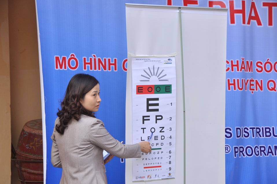 USAID supports distribution of eyeglasses to pupils and teachers in Quoc Oai, Hanoi.