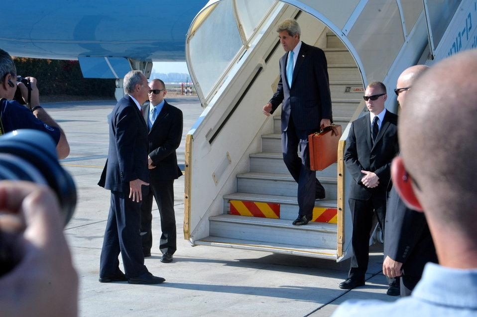 Secretary Kerry Returns to Israel
