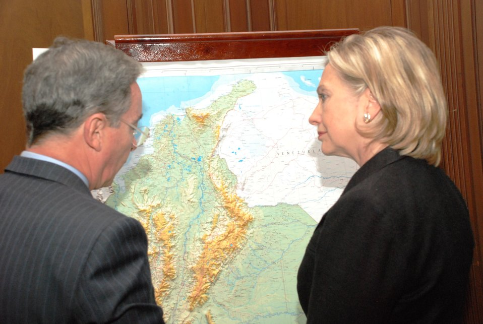 Secretary Clinton and Colombian President Discuss Issues During Private Meeting