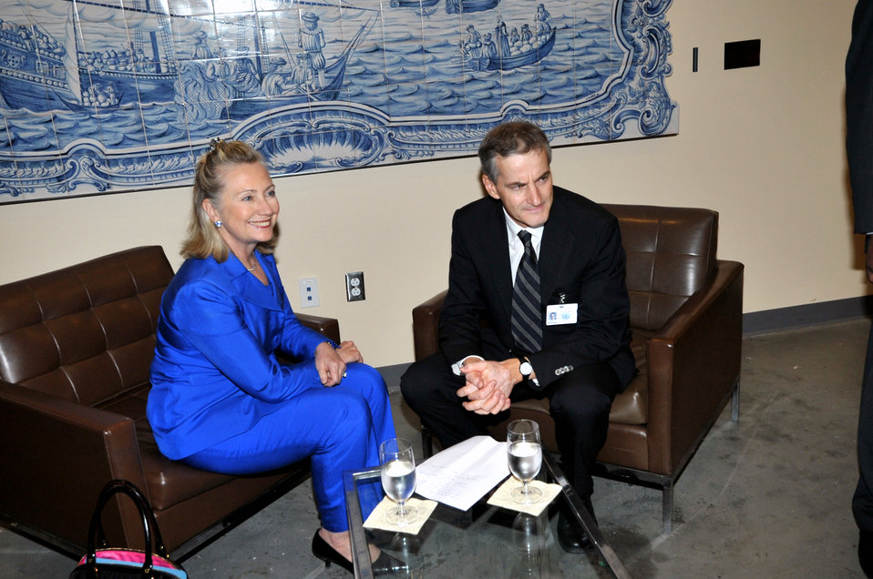 Secretary Clinton Holds a Meeting With Norwegian Foreign Minister Stoereon