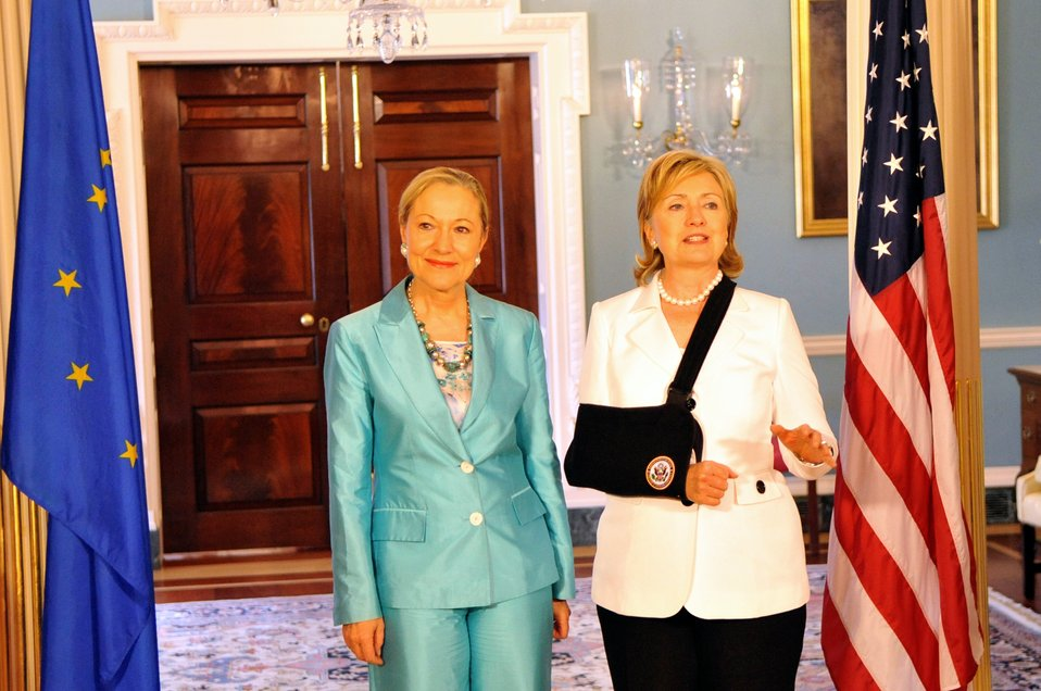 Secretary Clinton Meets With European Commissioner for External Relations and European Neighborhood Policy