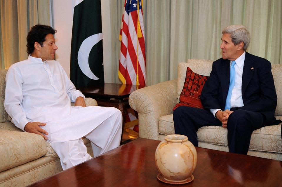 Secretary Kerry Meets With Pakistani Party President Imran Khan
