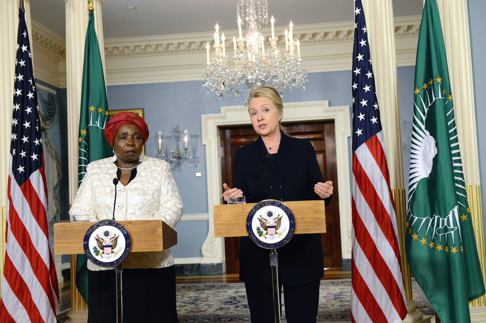Secretary Clinton and African Union Chairperson Dlamini-Zuma Address Reporters