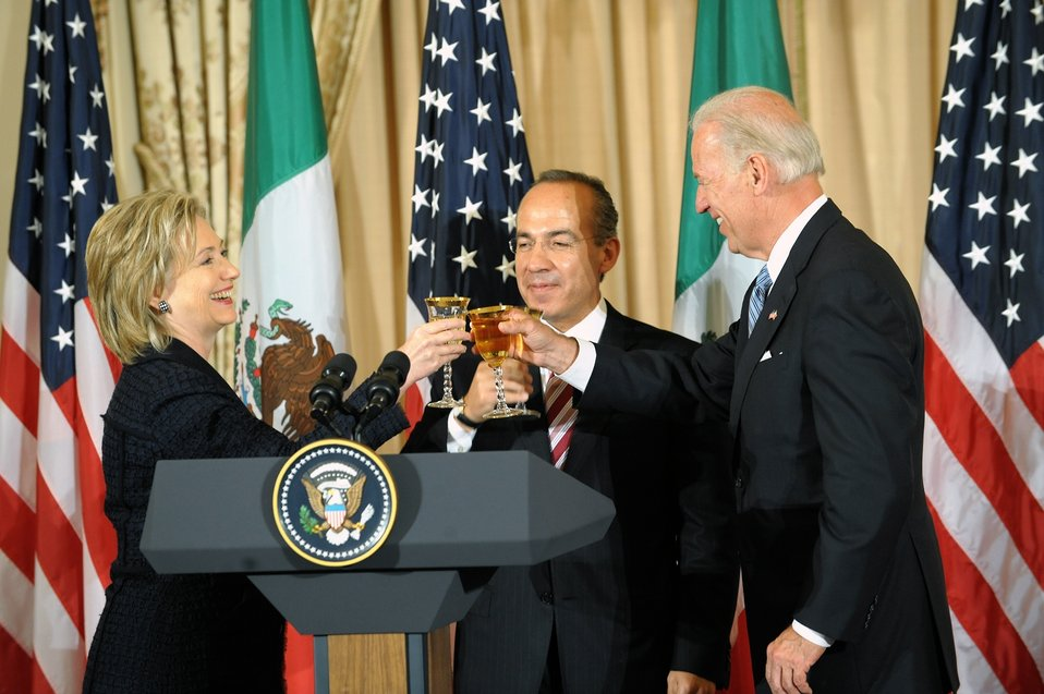 Secretary Clinton and Vice President Biden Co-Host Luncheon for Mexican President Calderon and Mrs. Zavala