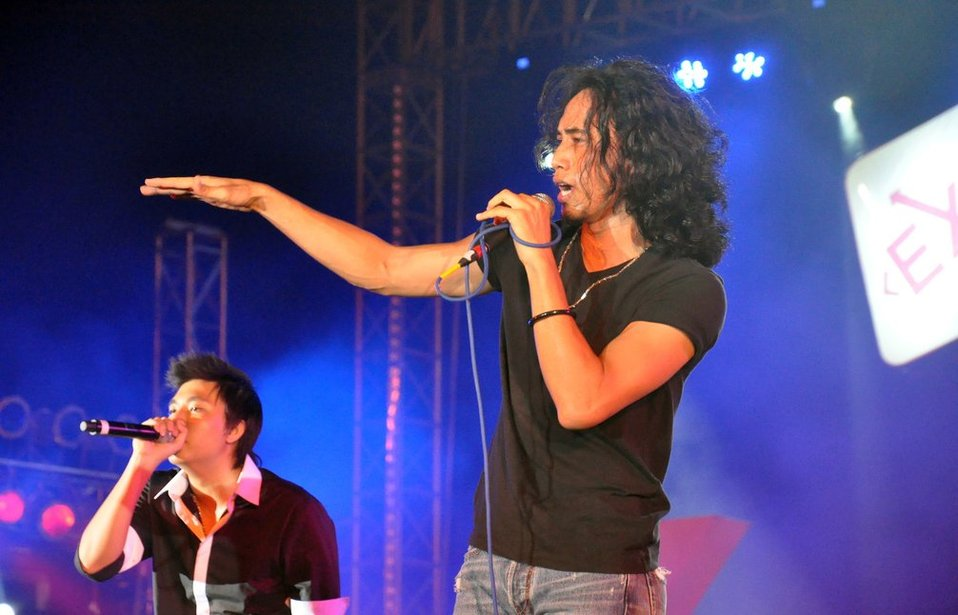 Vietnamese rocker Pham Anh Khoa performs at the USAID-sponsored MTV EXIT concert in Hanoi to fight trafficking and exploitation of people.