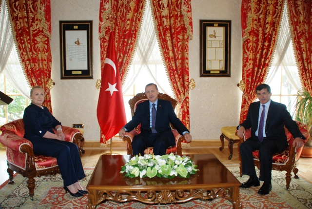 Secretary Clinton Meets With Turkish Prime Minister Erdoğan and Turkish Foreign Minister Davutoğlu