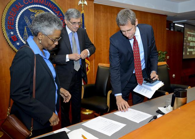 FCC and National Institute on Aging Signing Agreement to help Americans with hearing disabilities