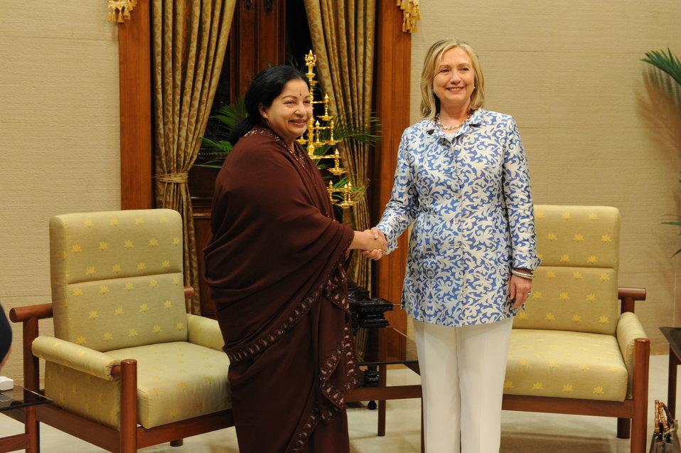 Secretary Clinton and Tamil Nadu Chief Minister Javalaithaa Shake Hands