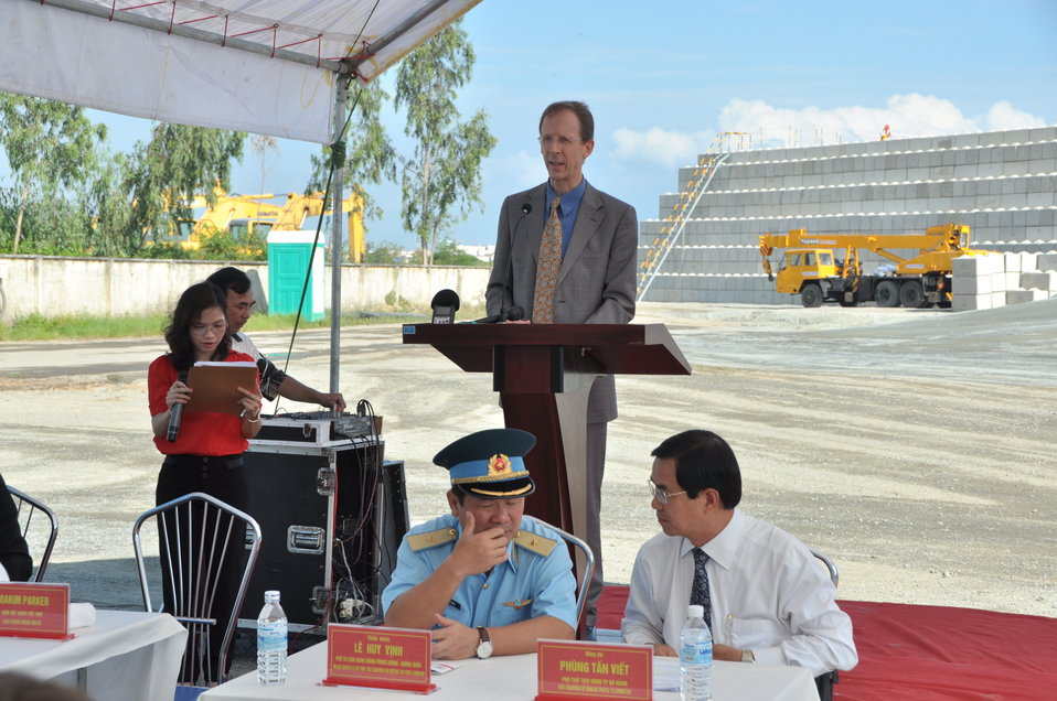 Media Tour of Environmental Remediation of Dioxin Contamination at Danang Airport