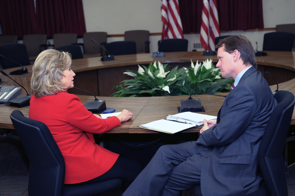 Secretary Clinton Meets With British Secretary of State for Northern Ireland Paterson