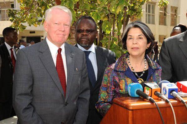 Under Secretary Otero and Ambassador Ranneberger Visit Memorial Park