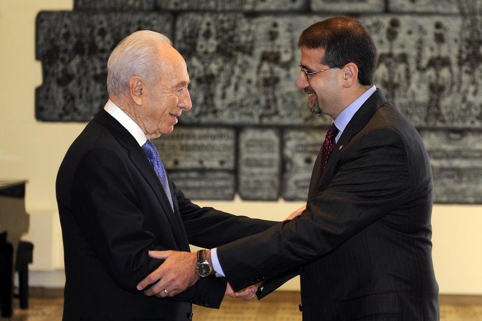 Ambassador Shapiro Shakes Hands With Israeli President Peres