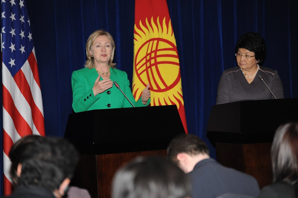 Secretary Clinton and Kyrgyz President Otunbaeva Hold a Press Conference