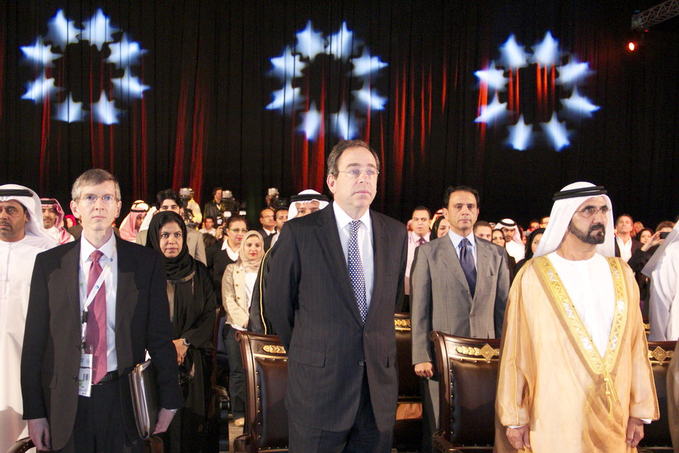 Consul General Waller, Deputy Secretary Nides, and the Ruler of Dubai Stand