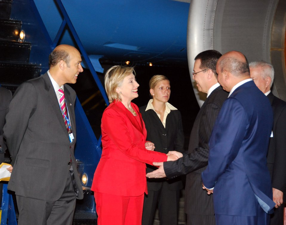 Secretary Clinton Arrives in Honduras