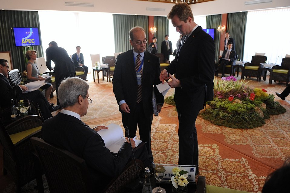 Secretary Kerry Speaks With Assistant Secretary Russell During APEC Meetings in Indonesia
