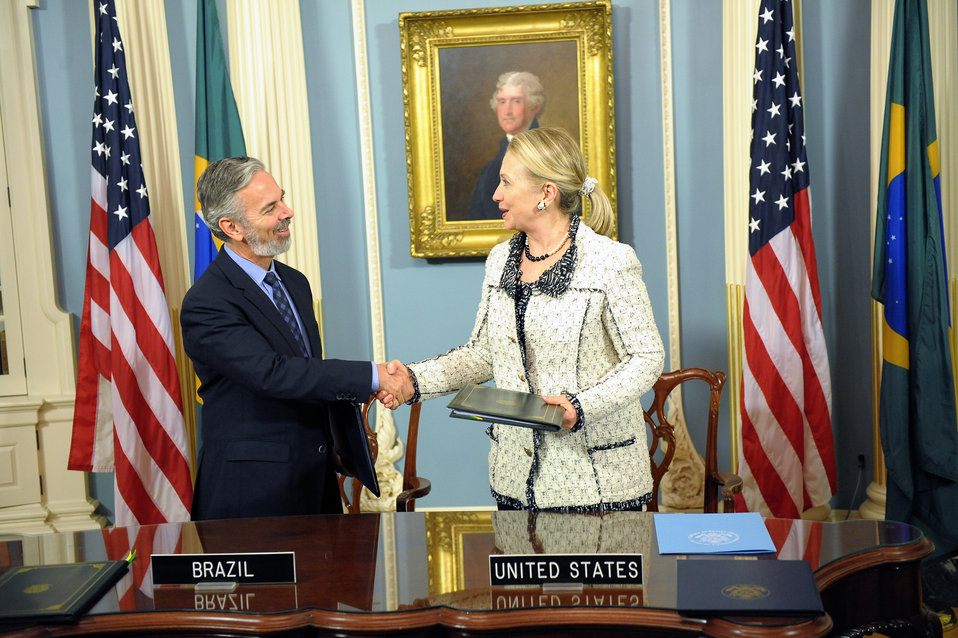 Secretary Clinton and Brazilian Foreign Minister Patriota Shake Hands