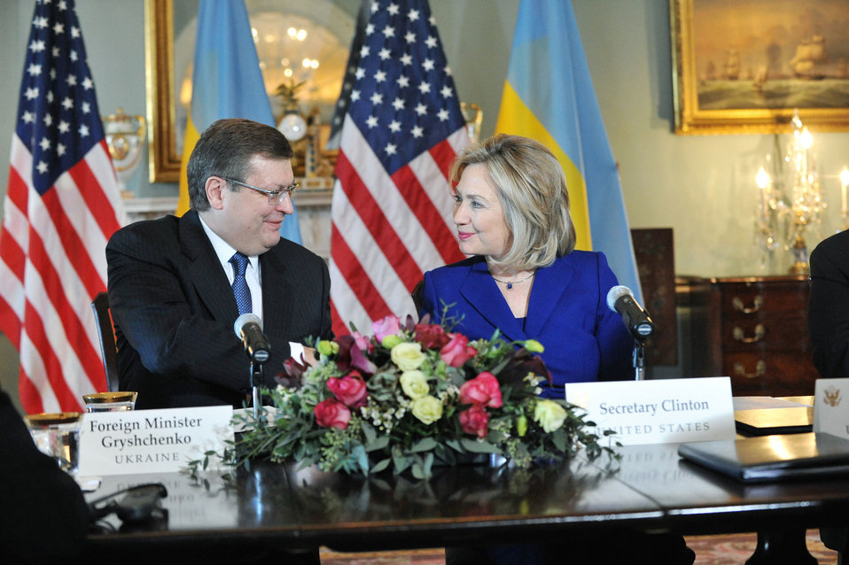 Secretary Clinton and Ukrainian Foreign Minister Gryshchenko Sign a Memorandum of Understanding on Trafficking in Persons