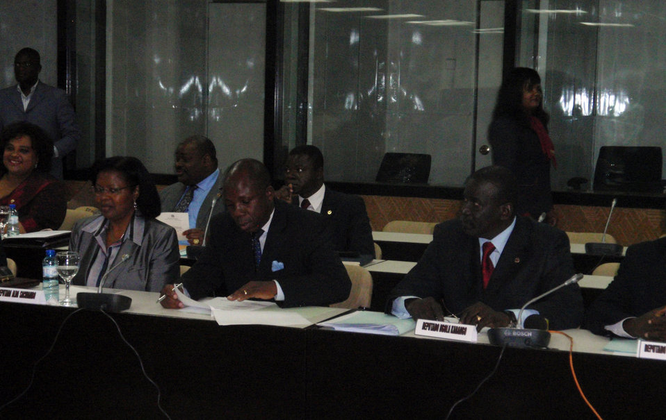 Behind the Scenes: Secretary Clinton Roundtable Meeting With Angolan National Assembly