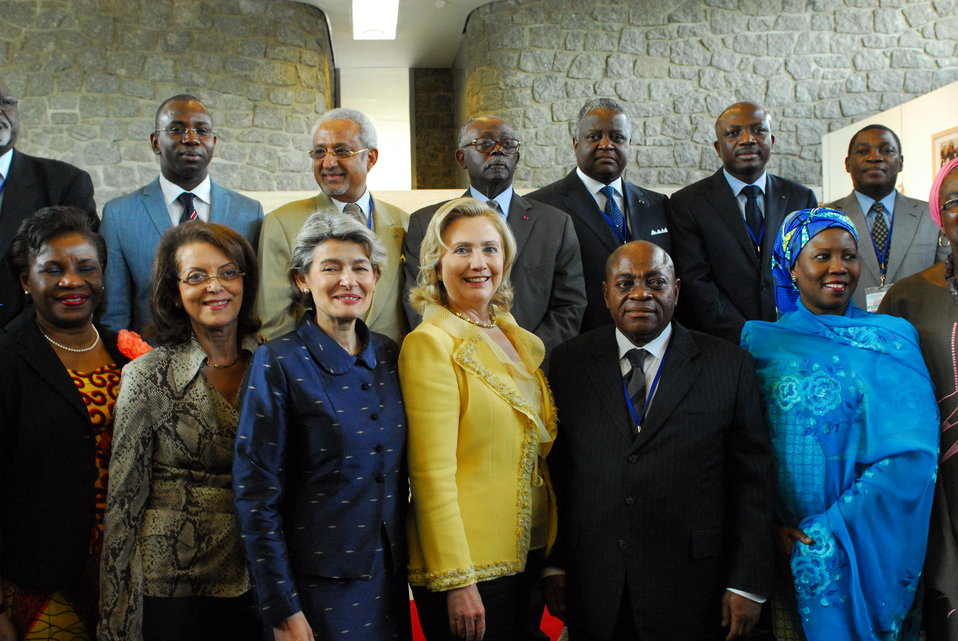 Secretary Clinton Tours the UNESCO Africa Week Exhibition