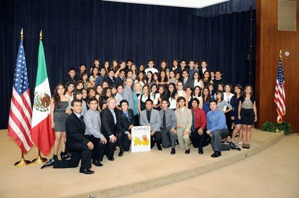 Secretary Clinton, Assistant Secretary Stock, Deputy Assistant Secretary Rooney, and Mexican Ambassador Sarukhan Meet With Jovenes en Accion Exchange Participants