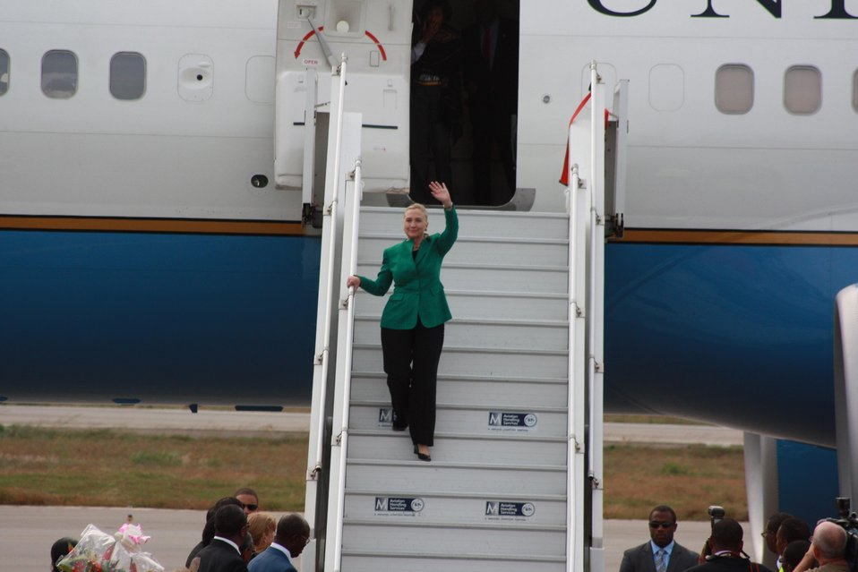 Secretary Clinton Arrives in Benin