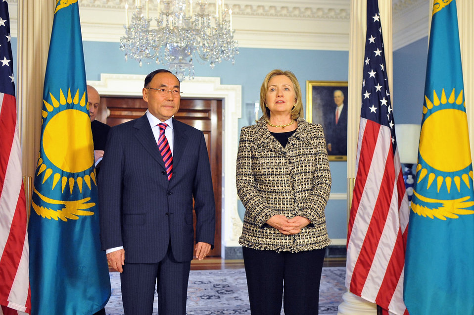 Secretary Clinton Meets With Kazakhstan Foreign Minister Saudabayev