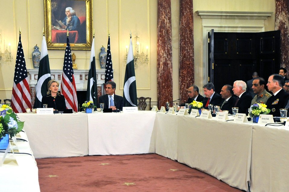 Secretary Clinton Hosts the U.S. Pakistan Strategic Dialogue Meeting
