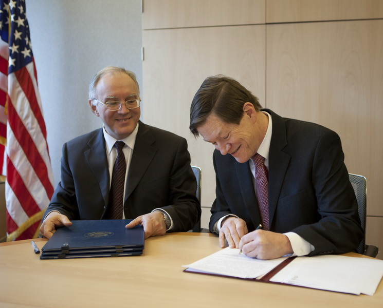 John Ordway and Vladimir Leontyev, Heads of U.S. and Russian Delegations, Sign Agreements on the Sharing of Telemetric Information