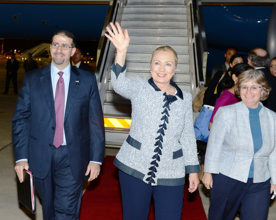 Secretary Clinton Arrives in Jerusalem