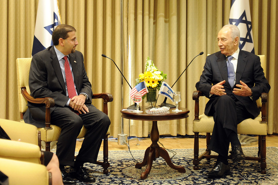 mbassador Shapiro Meets With Israeli President Peres
