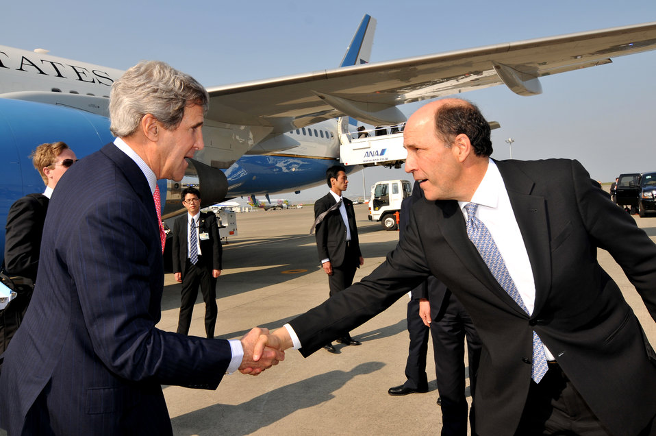 Secretary Kerry Bids Farewell to Ambassador Roos