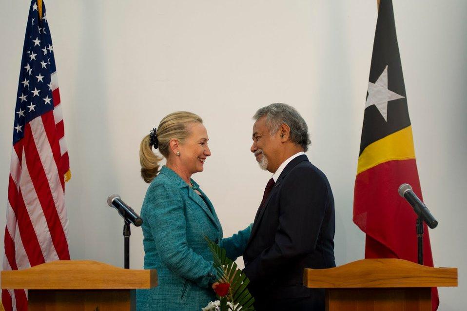 Secretary Clinton Shakes Hands With Timor-Leste's Prime Minister Gusmao