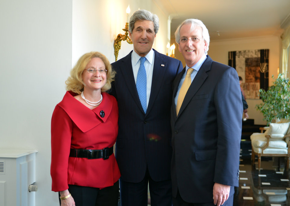 Secretary Kerry With Ambassador Daalder and Mrs. Harris