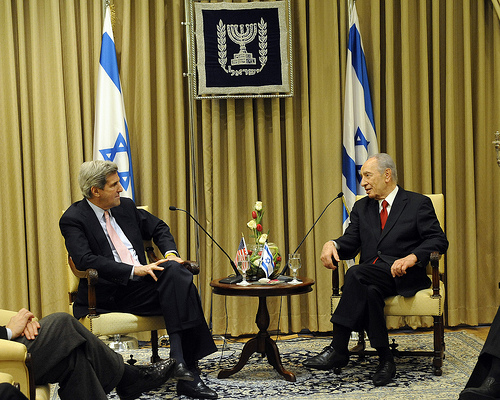 Senator Kerry With Israeli President Shimon Peres