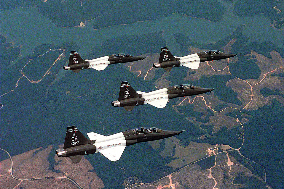 Columbus T-38 crashes in Tennessee