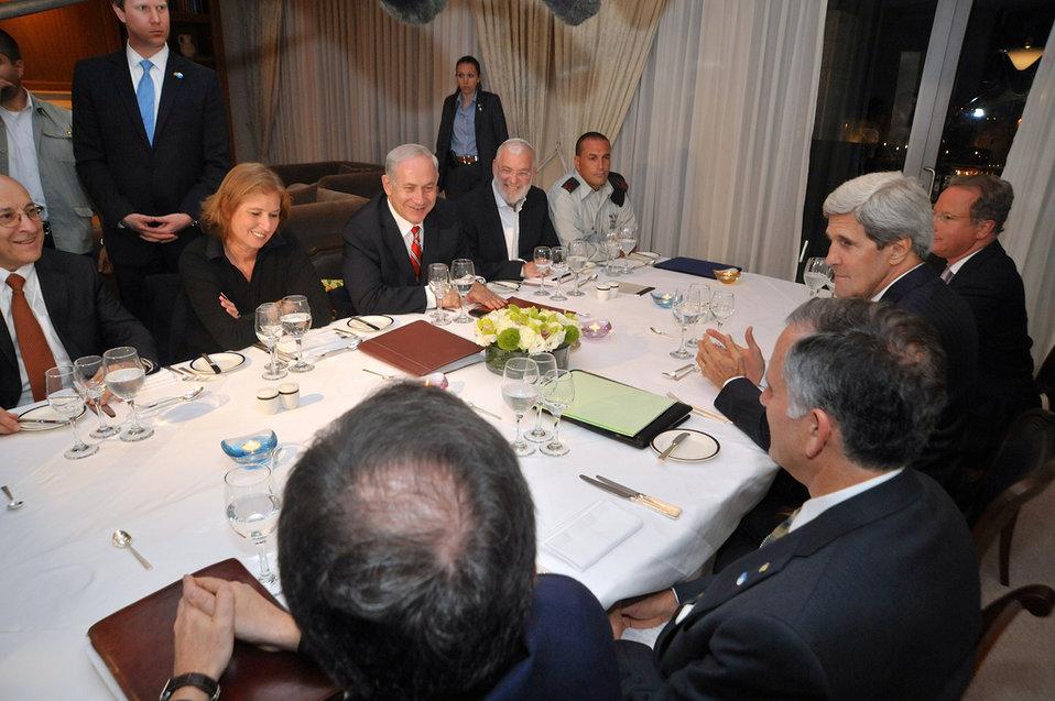 Secretary Kerry Dines With Israeli Prime Minister Netanyahu