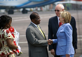 Secretary Clinton Arrives in Kinshasa