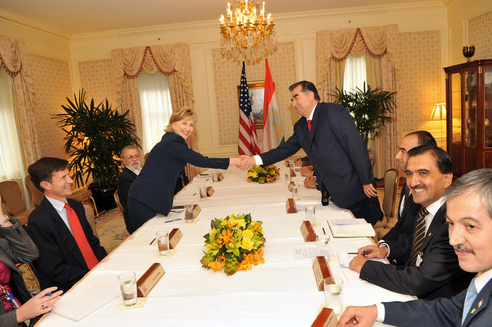 UNGA 2009: Secretary Clinton Meets With Tajikistan President