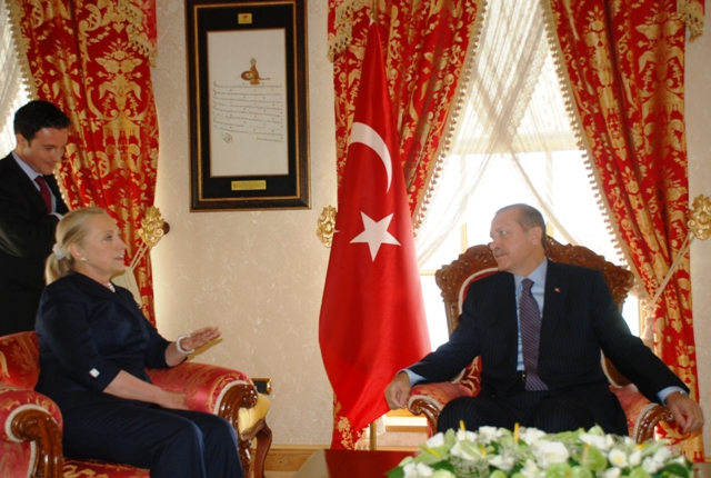 Secretary Clinton Meets With Turkish Prime Minister Erdoğan