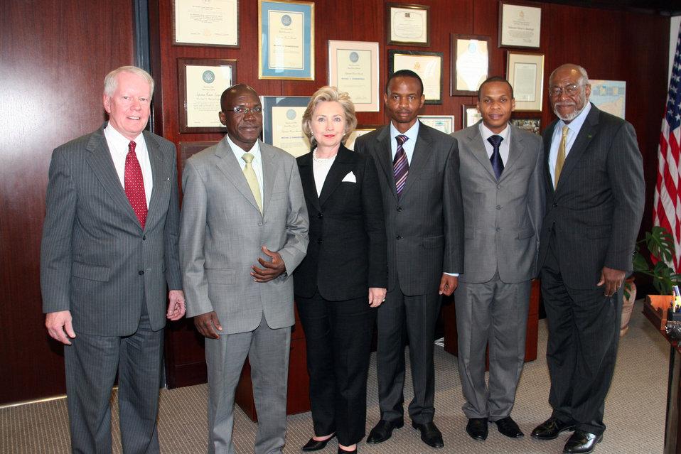Secretary Clinton at U.S. Embassy in Kenya