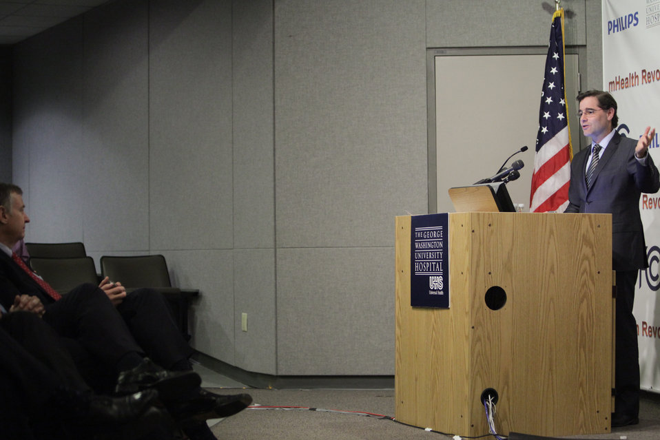 FCC Chairman Genachowski Speaks at GW University Hospital About MBANs to Medical Industry