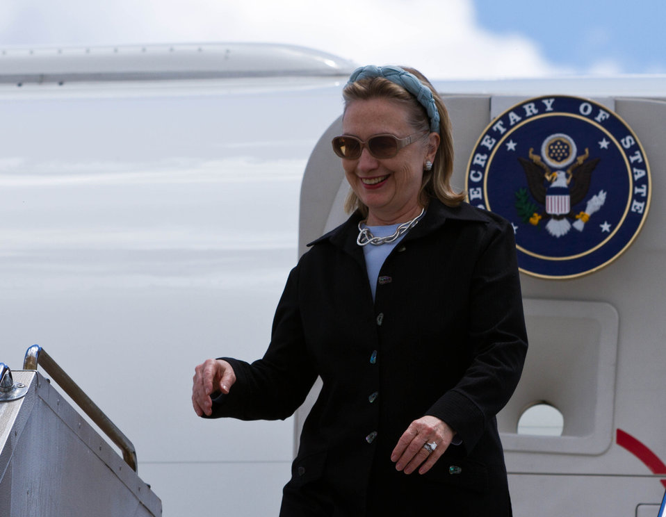 Secretary Clinton Arrives in Melbourne