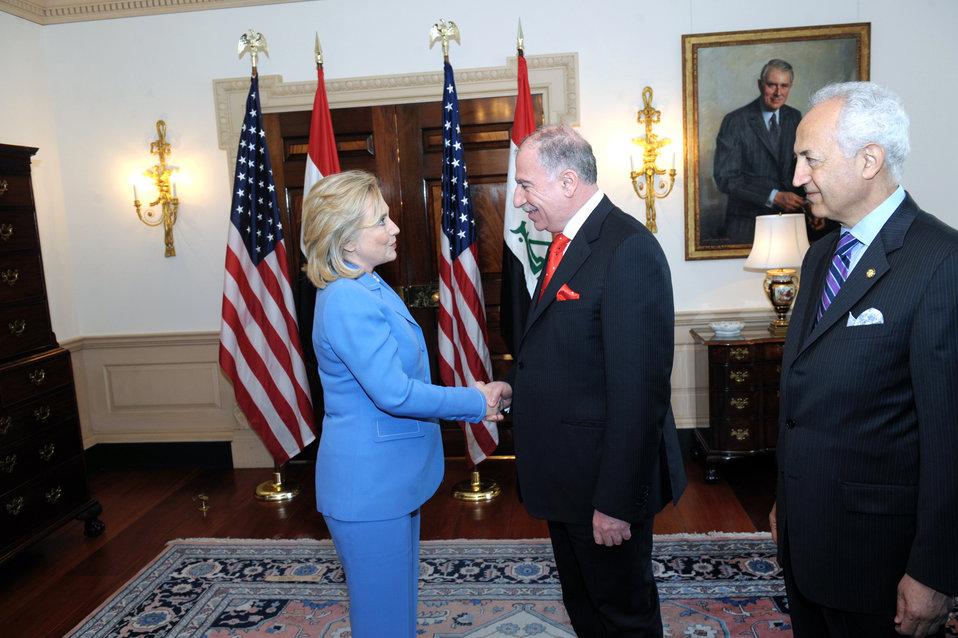 Secretary Clinton Shakes Hands With Iraqi Parliament Osama al-Nujaifi